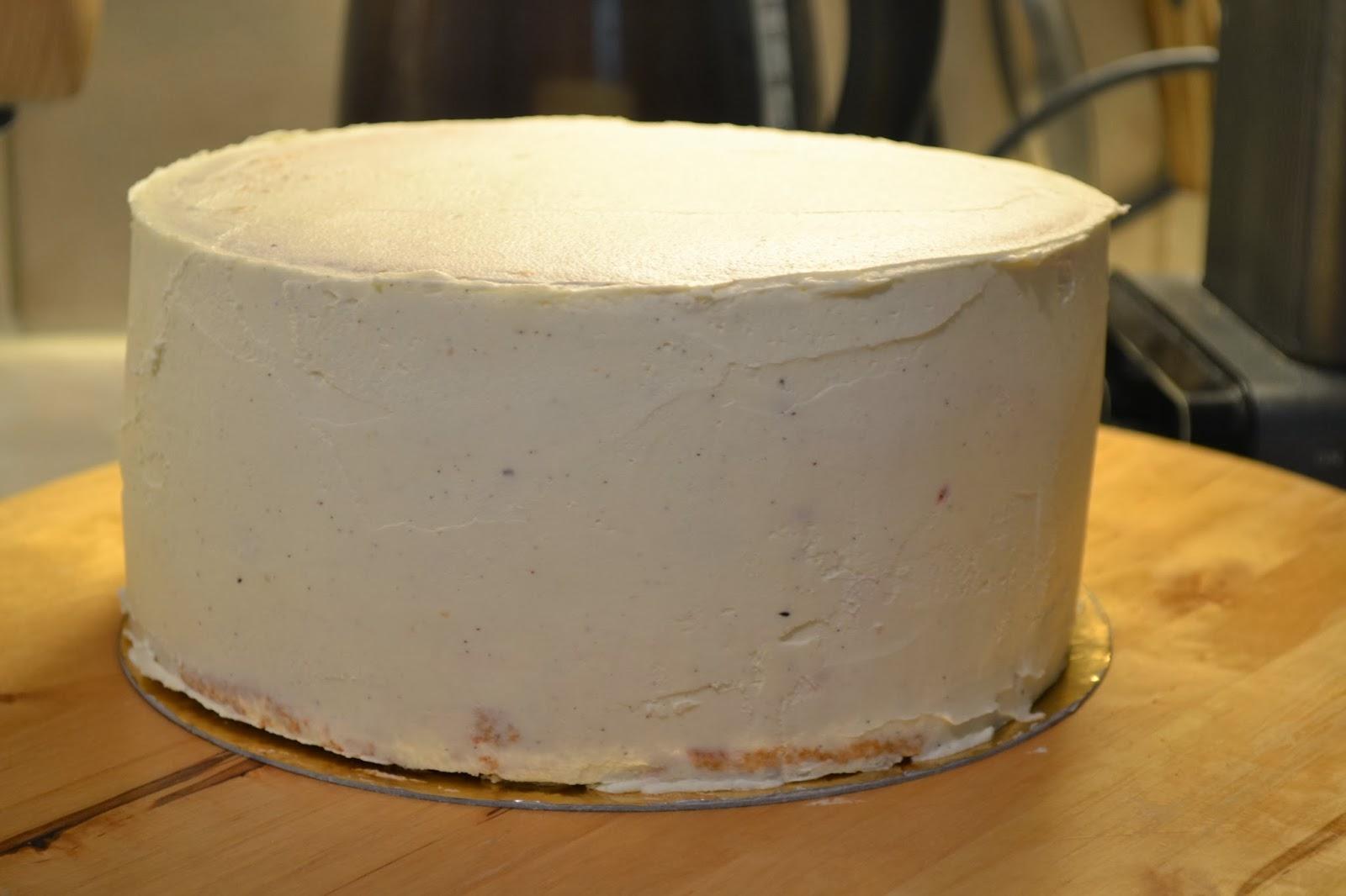 täcka tårta med smörkräm