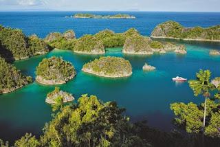 Bukit Pianemo: Indahnya Pulau Wayag di Raja Ampat