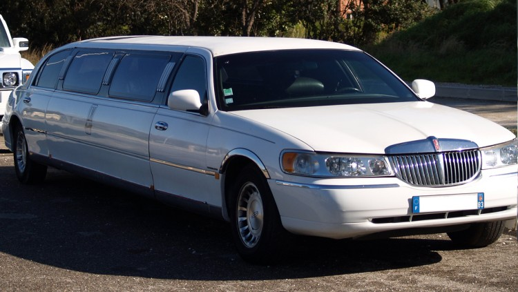 location limousine louer une limousine. Black Bedroom Furniture Sets. Home Design Ideas
