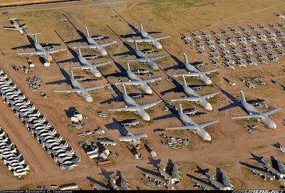 aeronaves - Davis-Monthan AFB - o maior cemitério de aeronaves do mundo  AMARC+-+End+line+for+the+Galaxies
