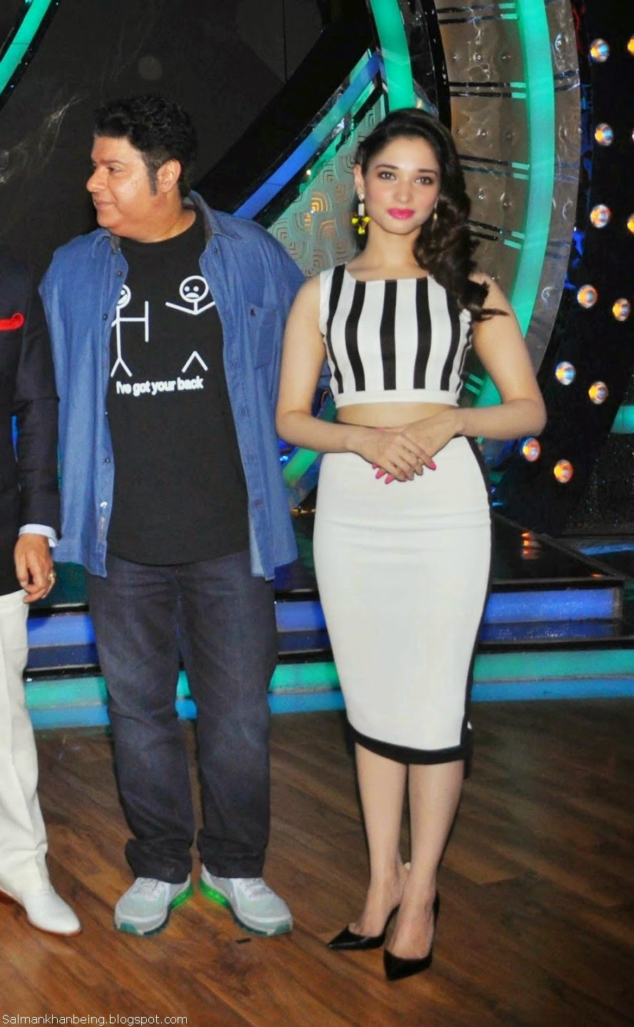 Tamanna Bhatia Promotes 'Humshakals' Movie in Dance India Dance HD Wallpapers