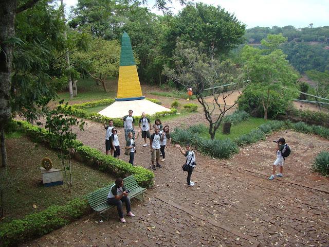 Marco das Três Fronteiras em Foz do Iguaçu City Tour Loumar Turismo