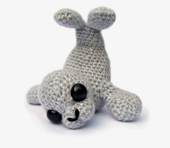 https://www.etsy.com/listing/83804185/seal-amigurumi-crochet-pattern-pdf?ref=favs_view_1