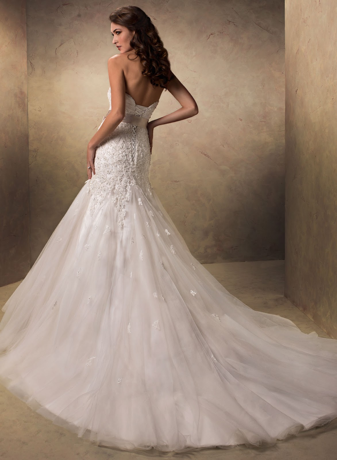 IN LOVE WITH BEAUTY Maggie Sottero Wedding Dresses part 1