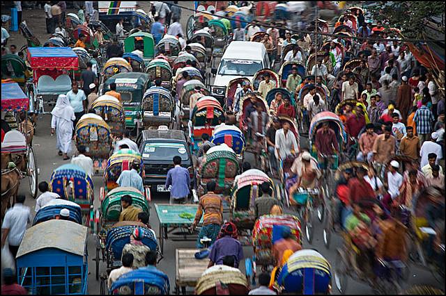 dhaka city traffic jam Traffic flow interruptions in dhaka city:  in dhaka, traffic stop-and-go situation predominates on road  inevitably dhaka faces unbearable traffic jam.