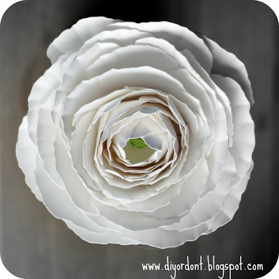 Paper ranunculus flower tutorial