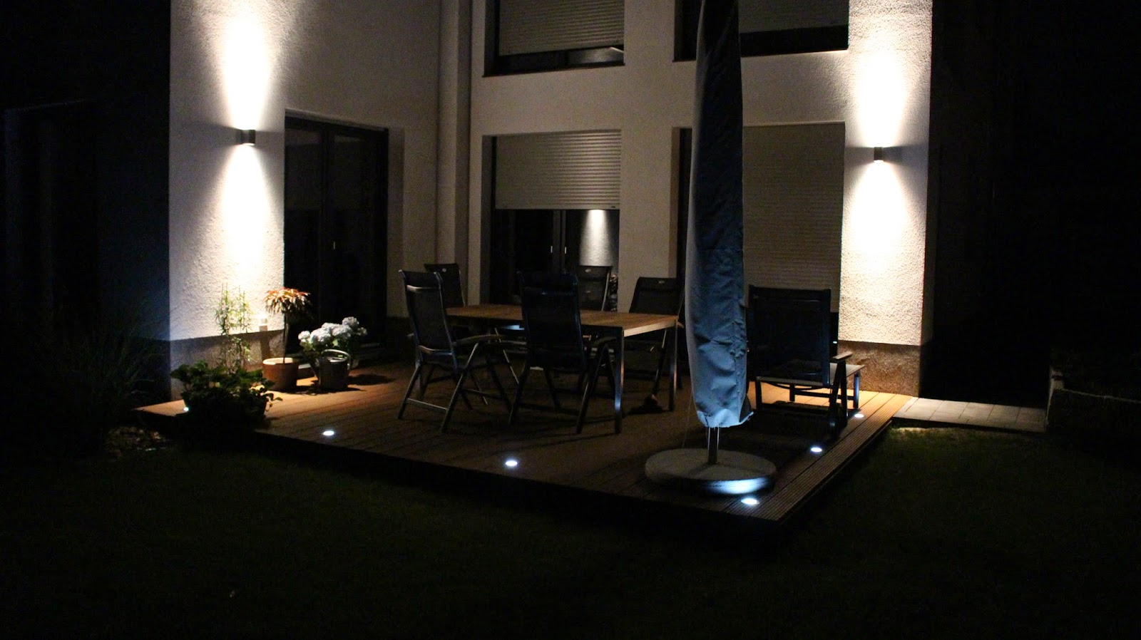 baubericht dachstrift terrassenbeleuchtung bei nacht. Black Bedroom Furniture Sets. Home Design Ideas