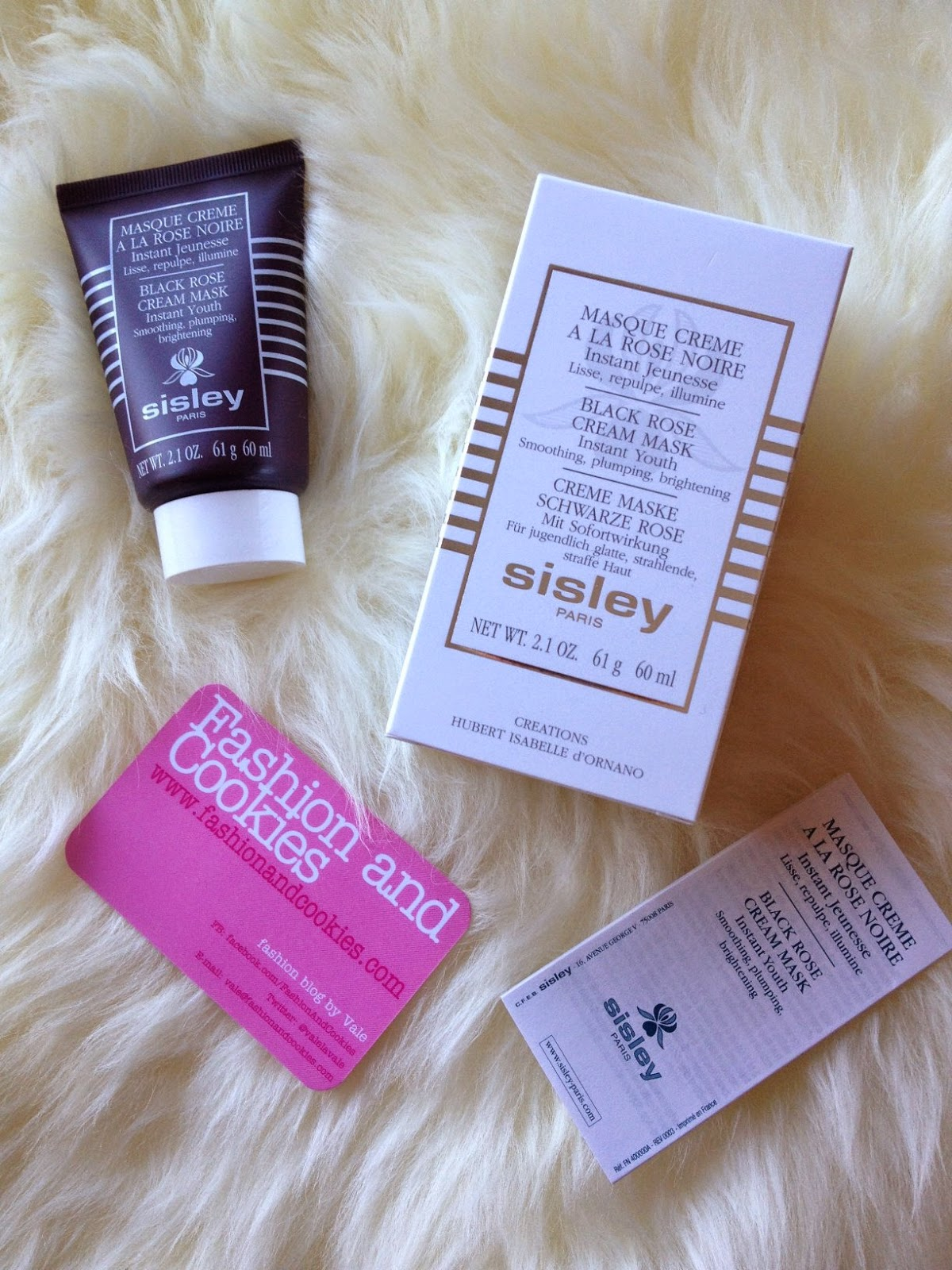Sisley Cosmetics Masque Creme à la rose noire, Sisley Paris , Sisley Black Rose Mask, Fashion and Cookies fashion blog, fashion blogger skincare advice