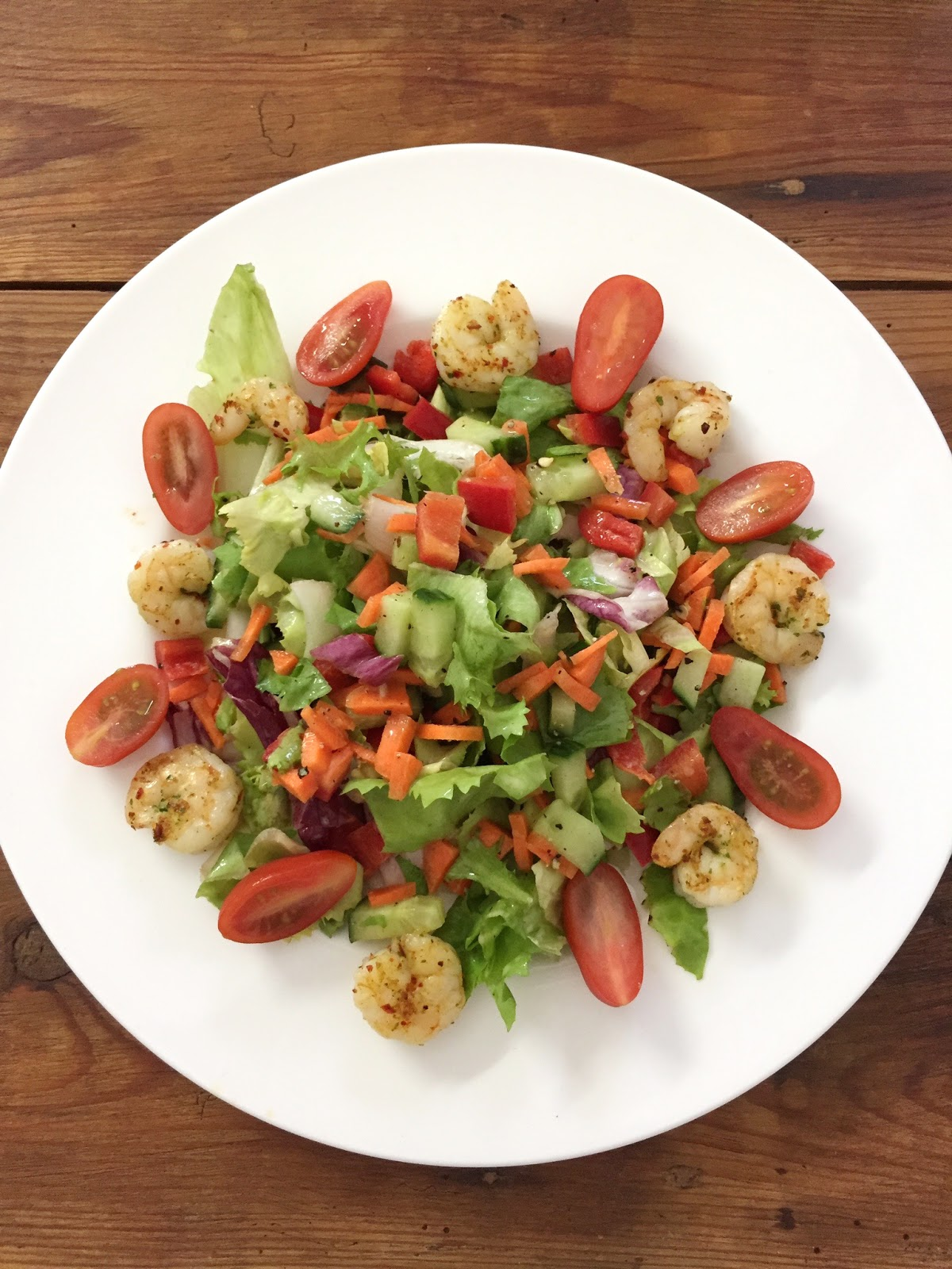 cuisiner bien salat mit chili knoblauch scampis. Black Bedroom Furniture Sets. Home Design Ideas