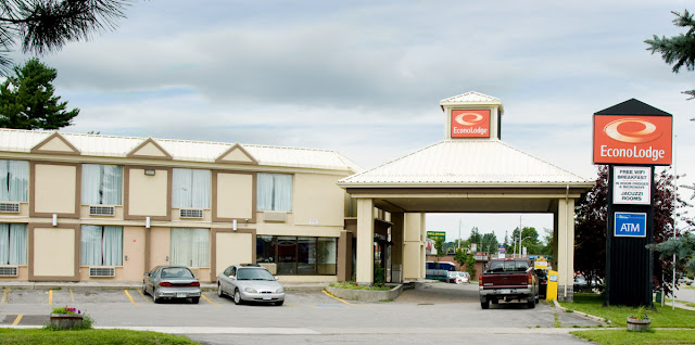 Econo Lodge on Memorial Avenue in Orillia