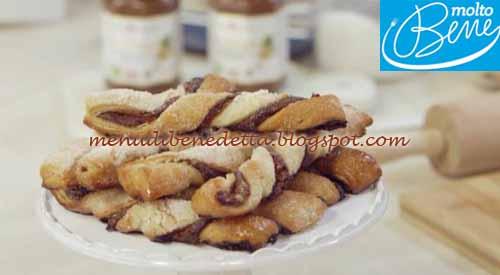 Sfogliatine alla crema di cacao e nocciole ricetta Parodi per Molto Bene su Real Time