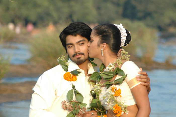 tamil movie Thalakonam latest hot seen images
