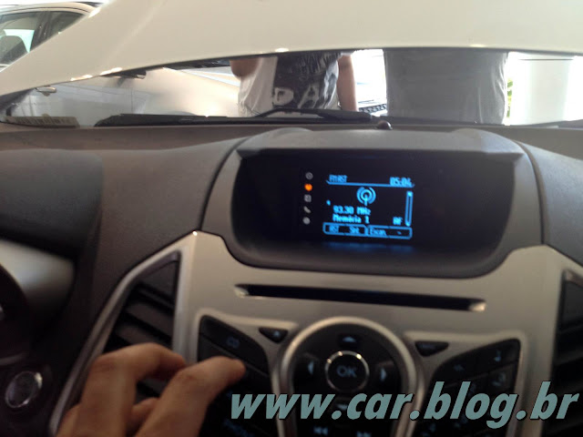Novo Ford EcoSport 2013 - interior - por dentro SYNC