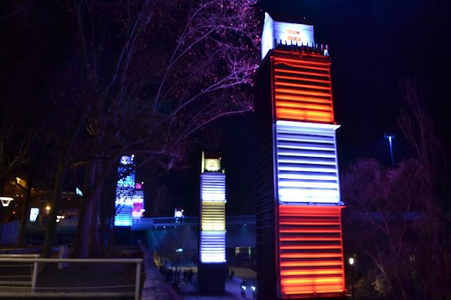 Fête des lumières Lyon 2013 village dans le ciel berges Rhône