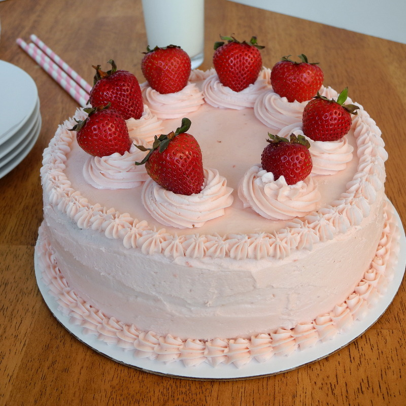 birthday cakes strawberry
