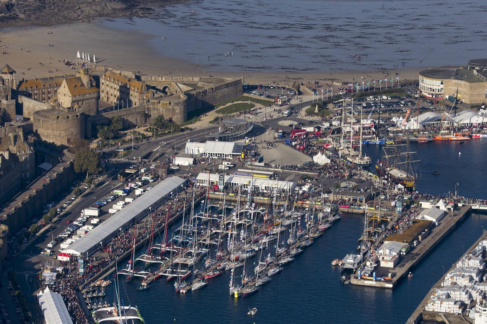 Les 91 bateaux de la Route du Rhum à Saint Malo.