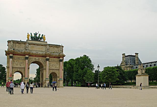 L'arc de triomphe du Carrousel  Paris photos