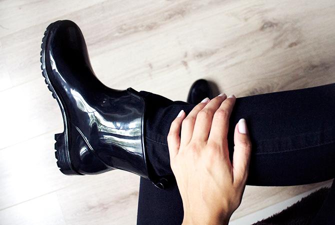 Fashion Attacks Plastic Fantastic new ankle rain boots