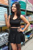 Neha Deshpande at Pochampally Ikat-thumbnail-10
