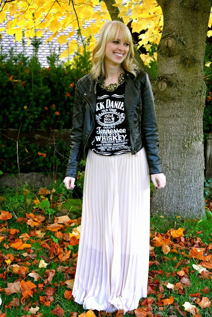 Jack Daniel's tank, CiChic pleated maxi skirt, H&M leather jacket, statement necklace, chalked hair, birthday outfit, fall fashion, bohemian fashion, style blogger
