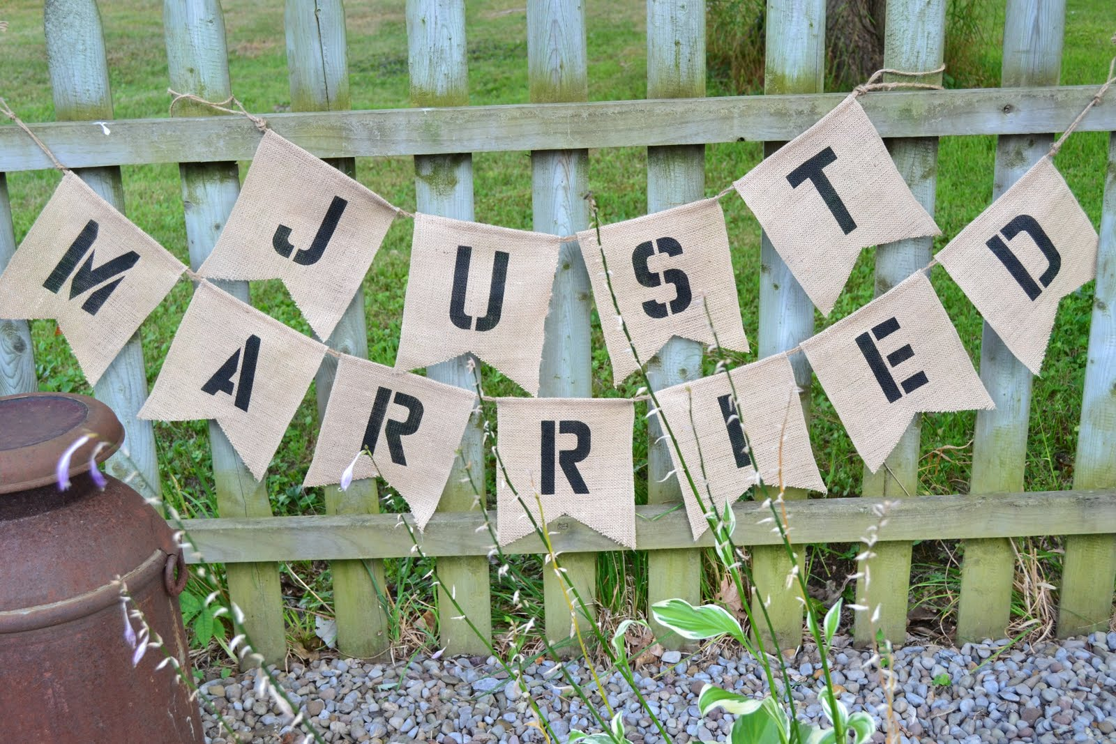 Simple Outdoor Wedding Decorations