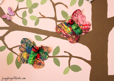 Juggling with kids caterpillars chrysalis and for Butterfly hands craft