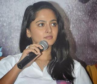 Anushka Latest Stills at Irandam Ulagam Movie Press Meet Event