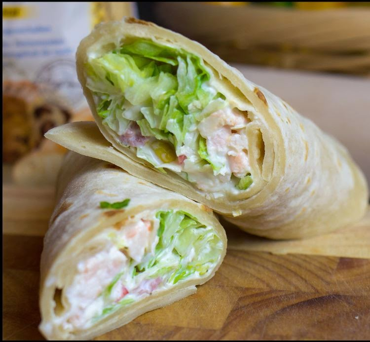 street food cuisine du monde recette de wrap au poulet mac doine salade et mayonnaise. Black Bedroom Furniture Sets. Home Design Ideas