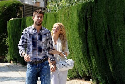Spain's Gerard Pique Is Dating Shakira & These 8 Photos of Them Will ...