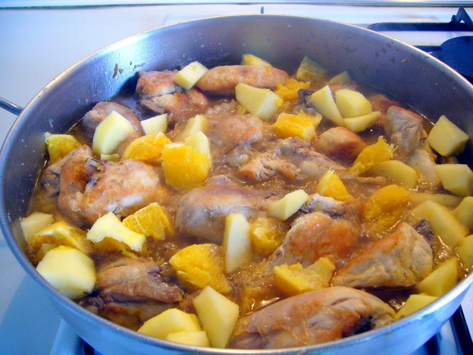 Pollo en Salsa de Frutas