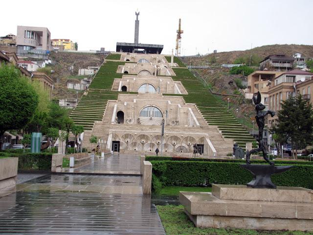 Armenia, Yerevan - monumento Kaskad
