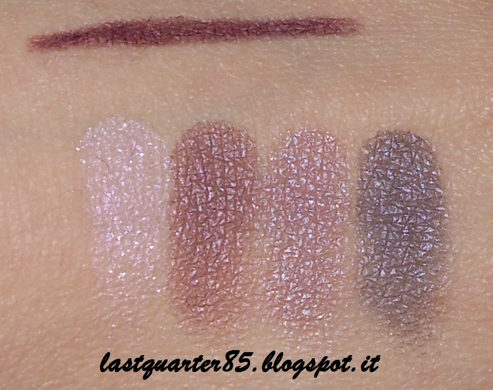 Mac: sopra la matita Eyeliner Kajal in Purple Dash, sotto l'ombretto Great Beyond applicato sulla base Kiko.