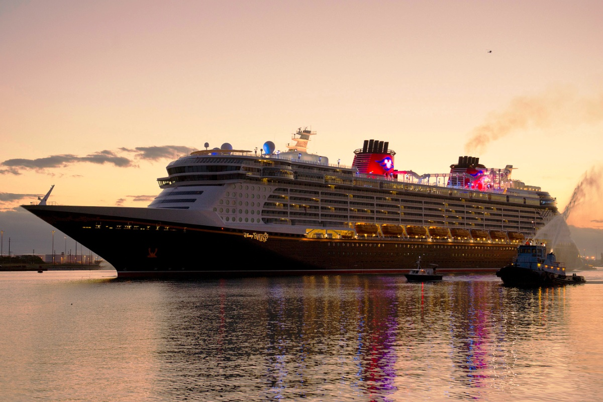 SHIPWallpaperGallery Disney Fantasy Cruise Ship Wallpaper