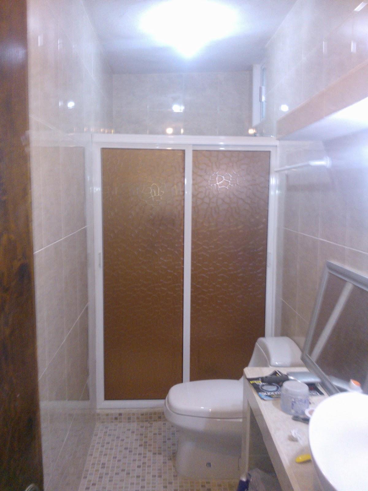 Puertas De Baño Aluminio:Puertas, ventanas de aluminio: Canceleria para baño con plastico