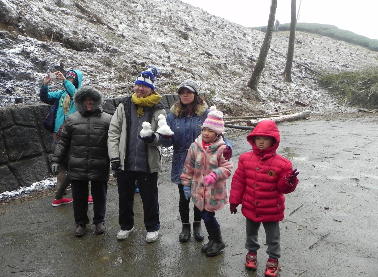 霸王寒流 2016/01/24 – 雲林草嶺石壁部落山區下雪紀實