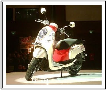 the new honda scoopy fi fuel injection today in jakarta honda scoopy