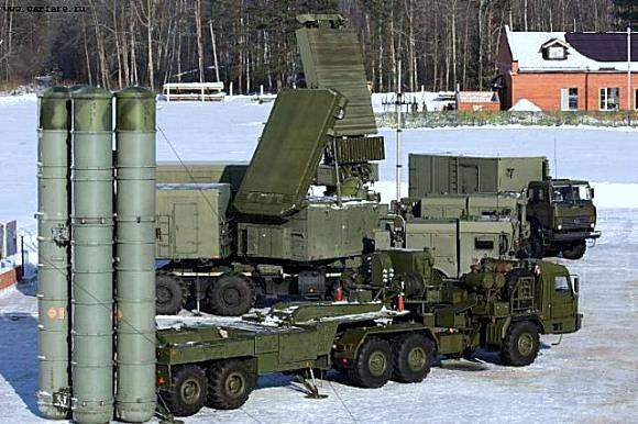 Kompleks sistem pertahanan udara S-400
