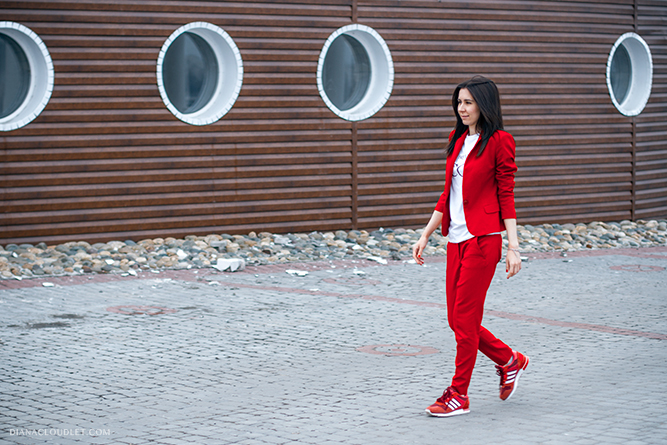 red_suit_zara_adidas_sneakers_outfit_fashion_style_fashionblogger_dianacloudlet