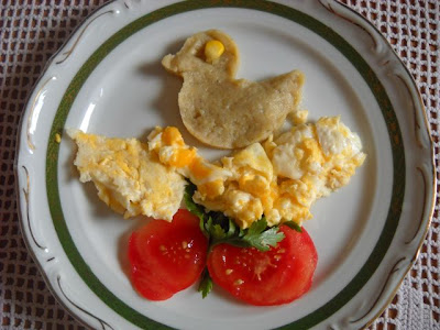 Kaczka z soczewicy na jajku...