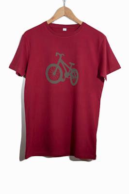 http://quierocamisetass.com/camisetas-hombre/173-camiseta-chico-bike1.html#.UrG9HfTBR-4