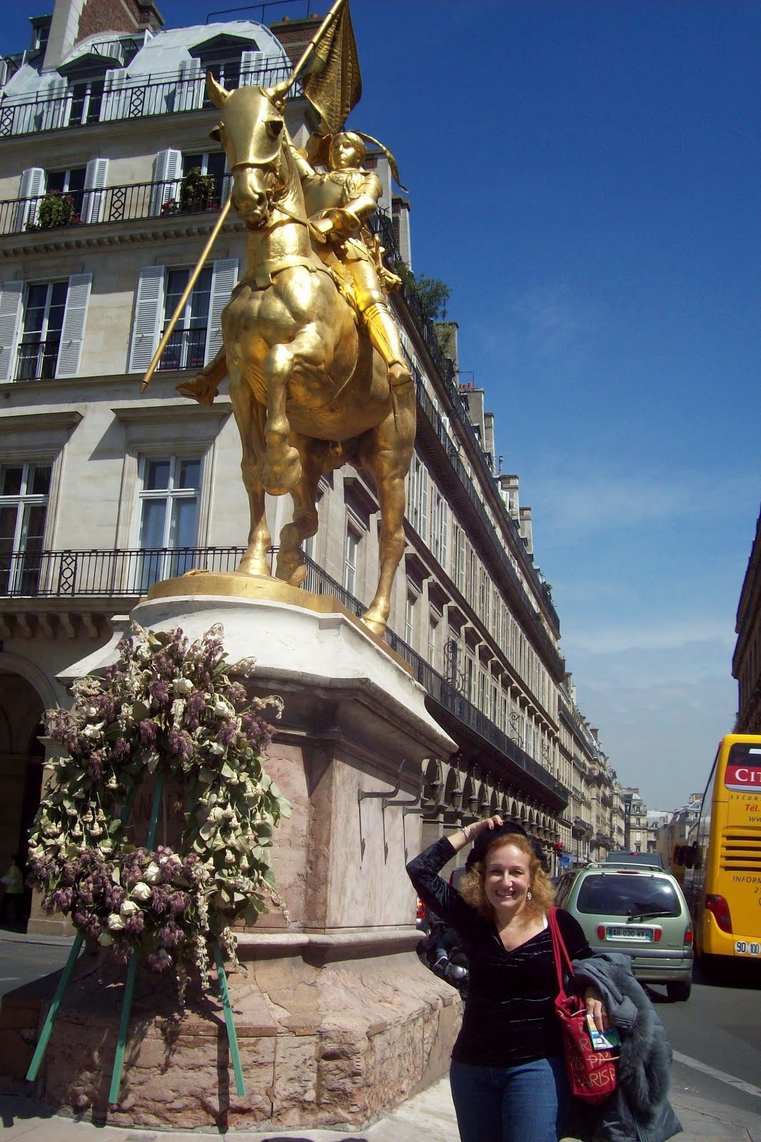 Eu com Joana Darc em Paris