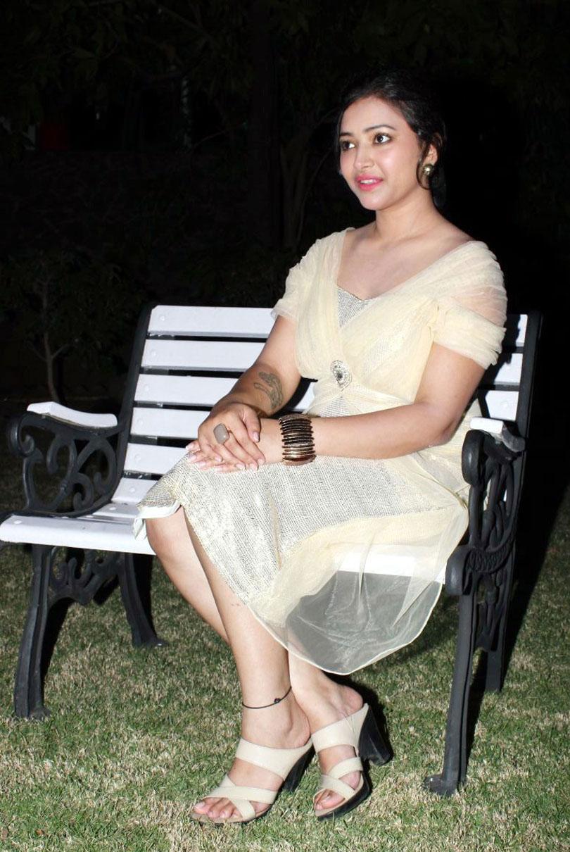 Swetha Basu latest Hot8