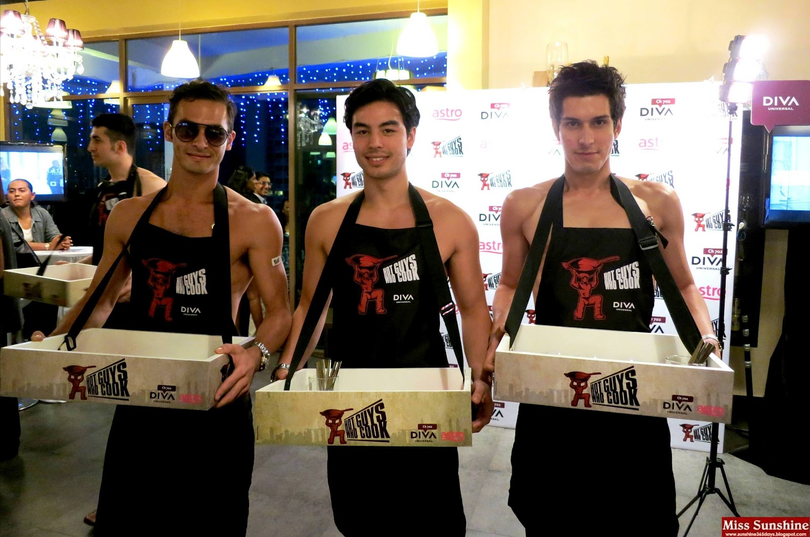 Sunshine kelly beauty fashion lifestyle travel fitness hot guys who cook by diva - Fashion diva tv ...