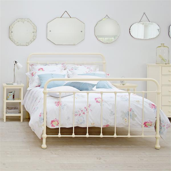 White Metal Bed Frames