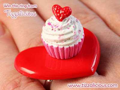 Large Heart & Cupcake Ring from Tizzalicious