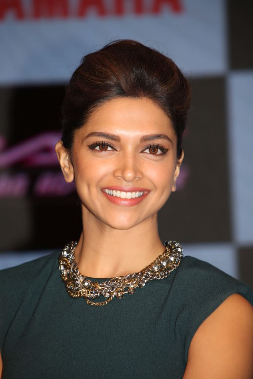 Deepika Padukone Ray Ad pictures