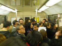 Metro 6 pm de un viernes