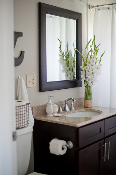 clean bathroom makeover
