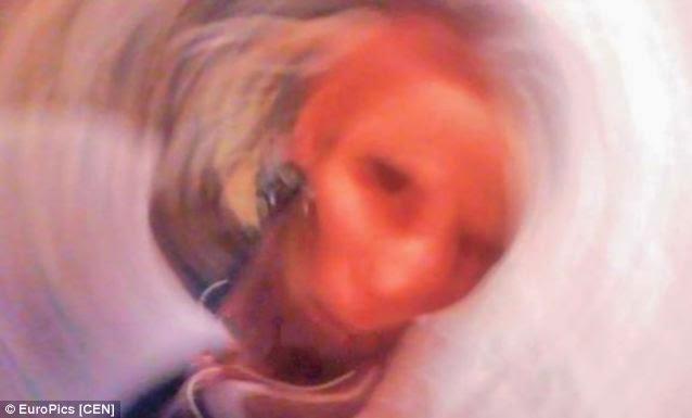 Η selfie του φαντάσματος της γιαγιάς Aόρατα Γεογονότα