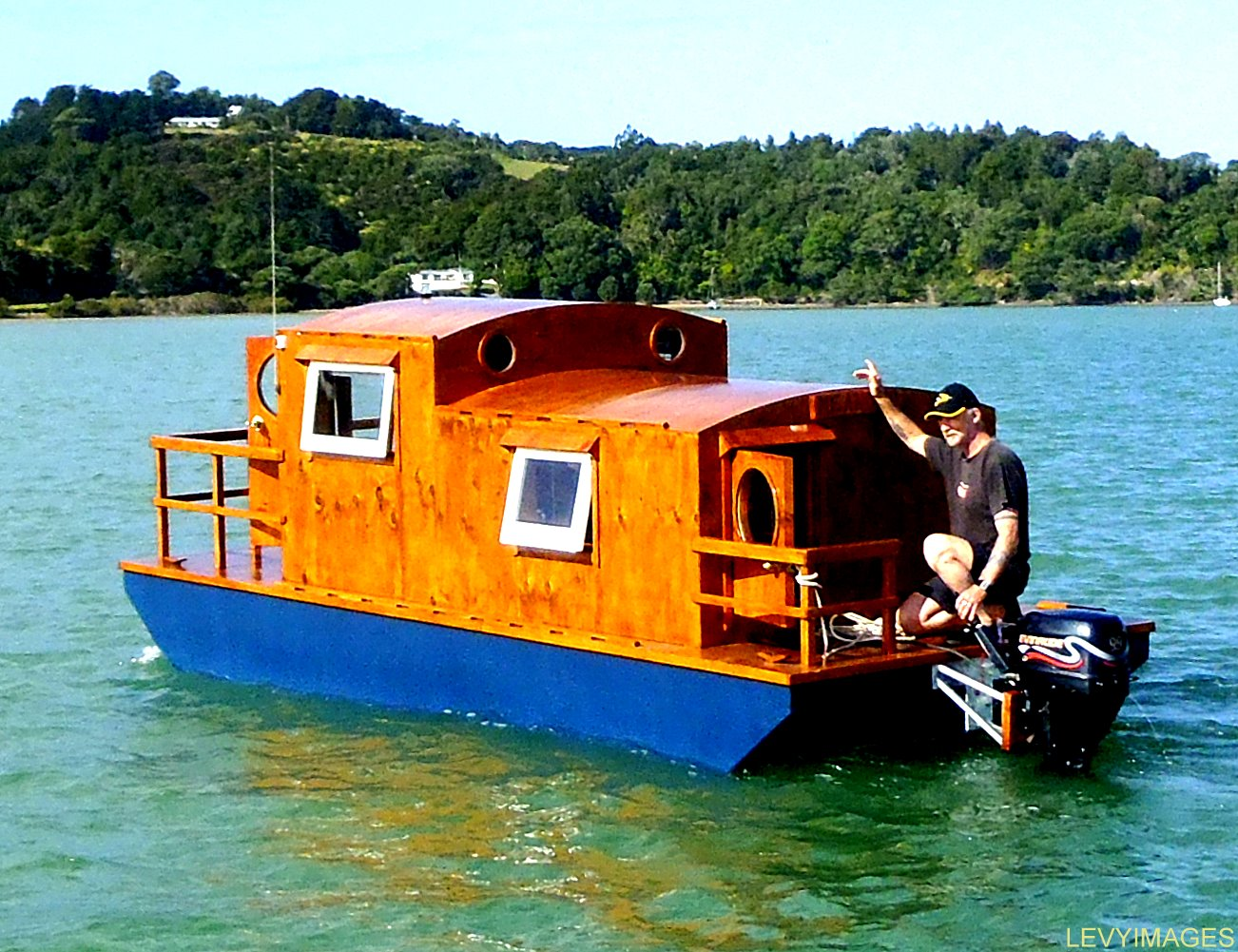 The Flying Tortoise: Tiny Houseboat On Wheels...